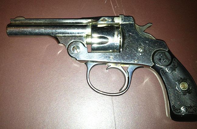 dating iver johnson revolver st. Lucia web stranice za upoznavanje